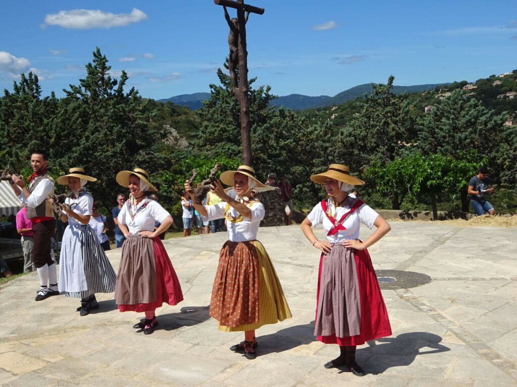 Groupe folklorique à Grimaud